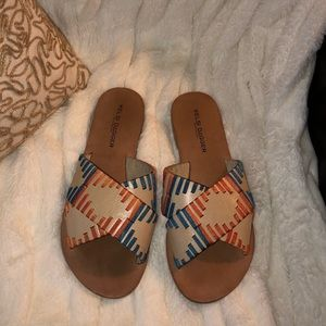 Kelsi dagger sandals size 6